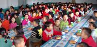nordkorea-Kids-am-Tisch